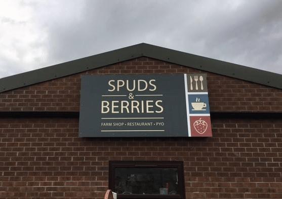 spuds & berries exterior signage 3